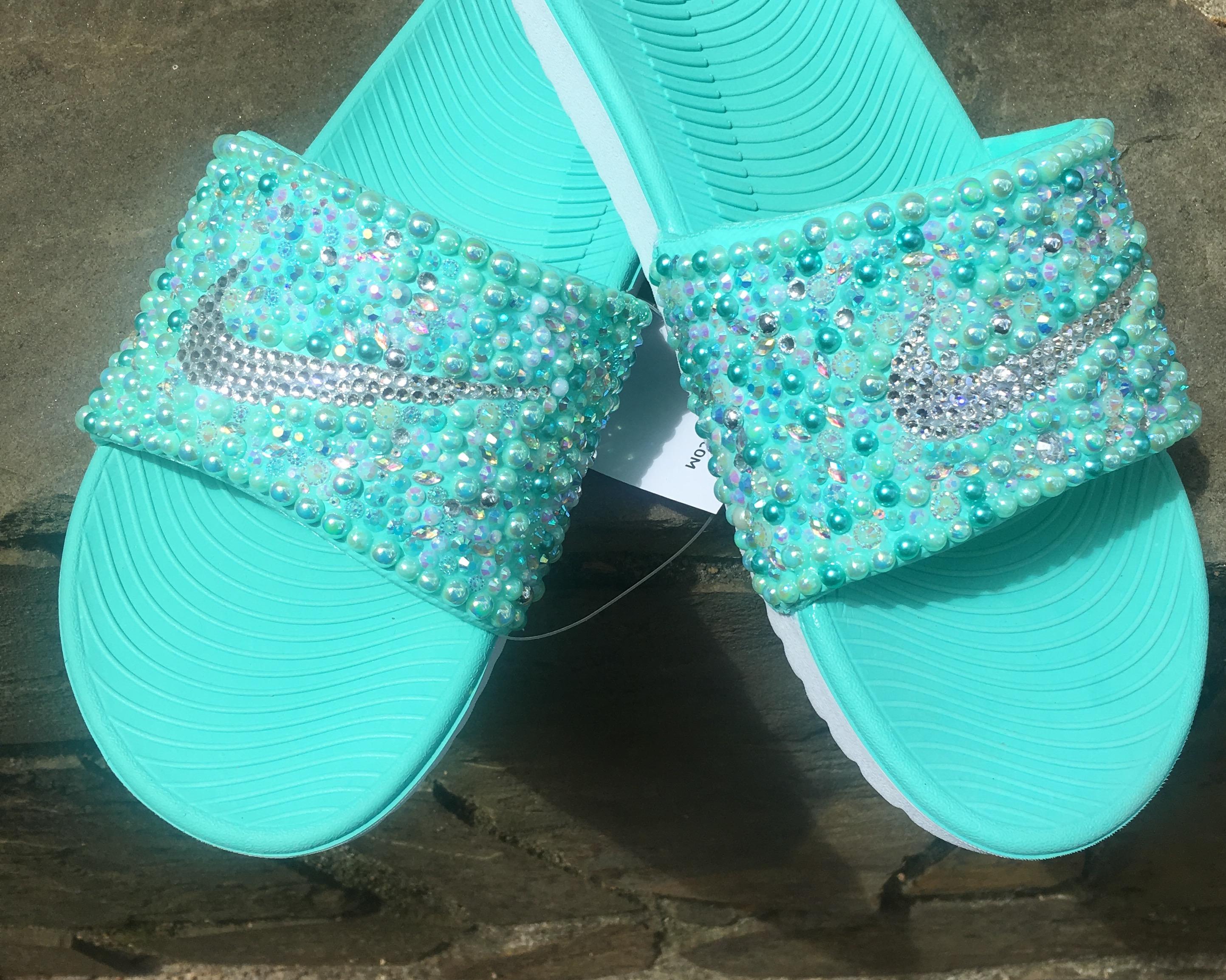 f1abb5fe61cce Bling Nike Slides