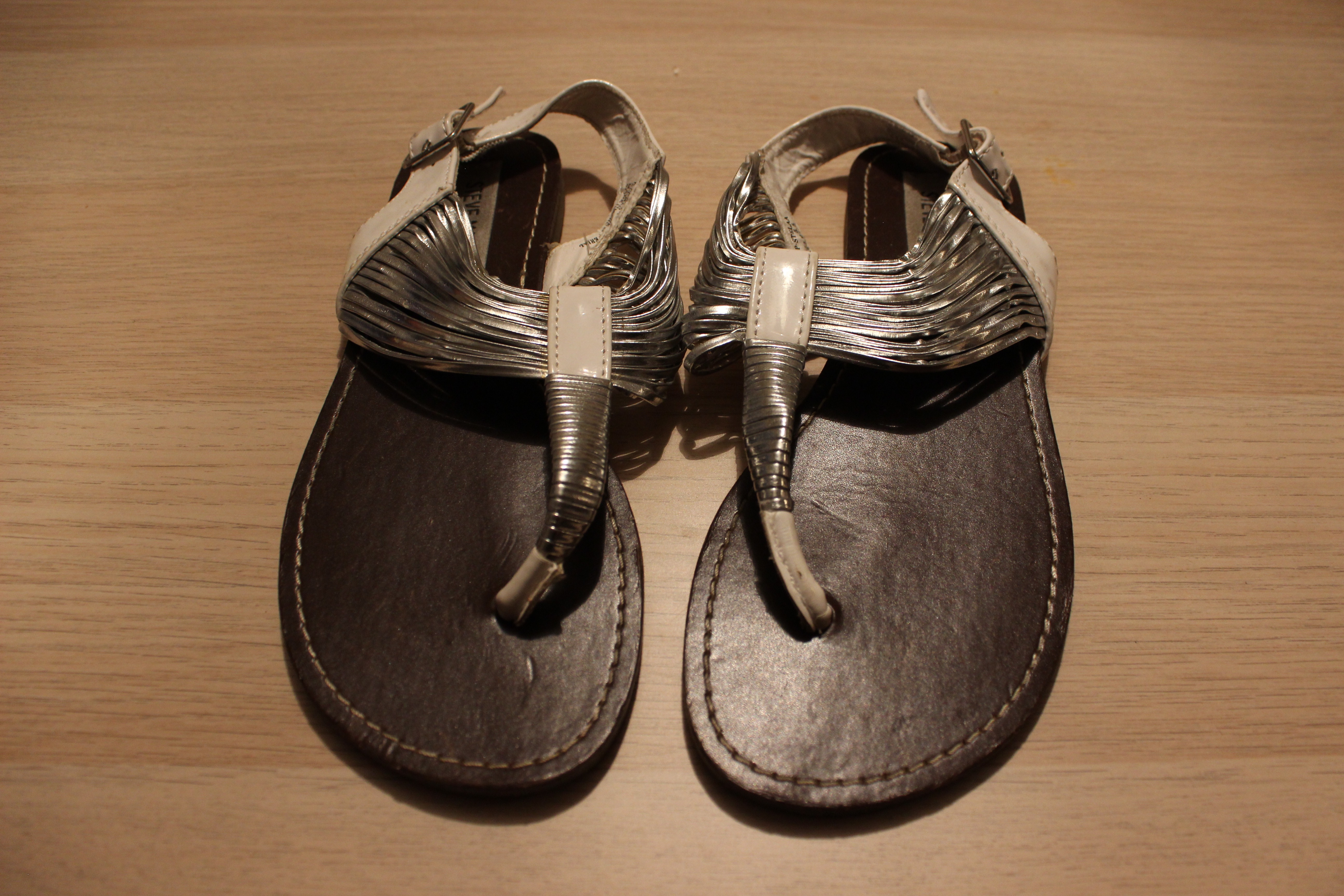 a4e5315c0ff Steve Madden Silver and White Strappy Sandals